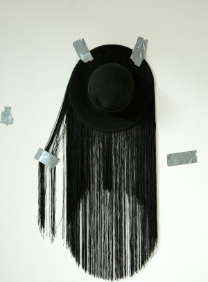 "HAT ""FRINGES"""